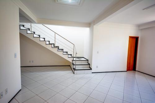 casa 4 quartos (3 suítes), gabinete, 3 vagas, dce