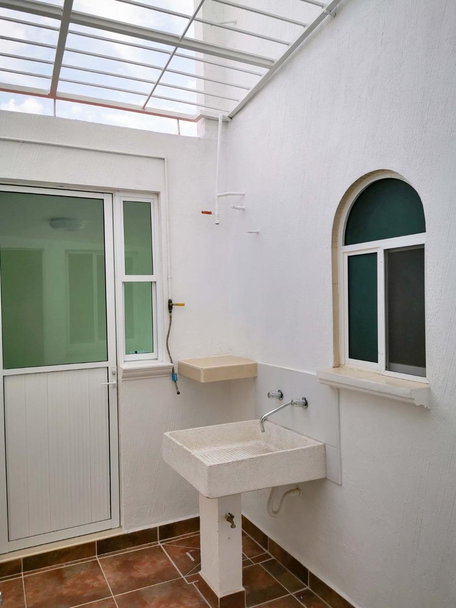casa 4 recamaras,3 baños,5min de volkswagen, fraccionamiento