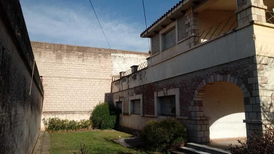 casa 409 m2 construido ideal clinica - bº centro - la calera