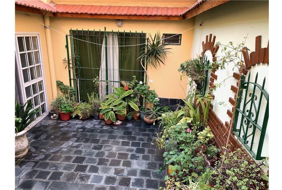 casa 4amb.c/cochera y terraza - lomas del mirador