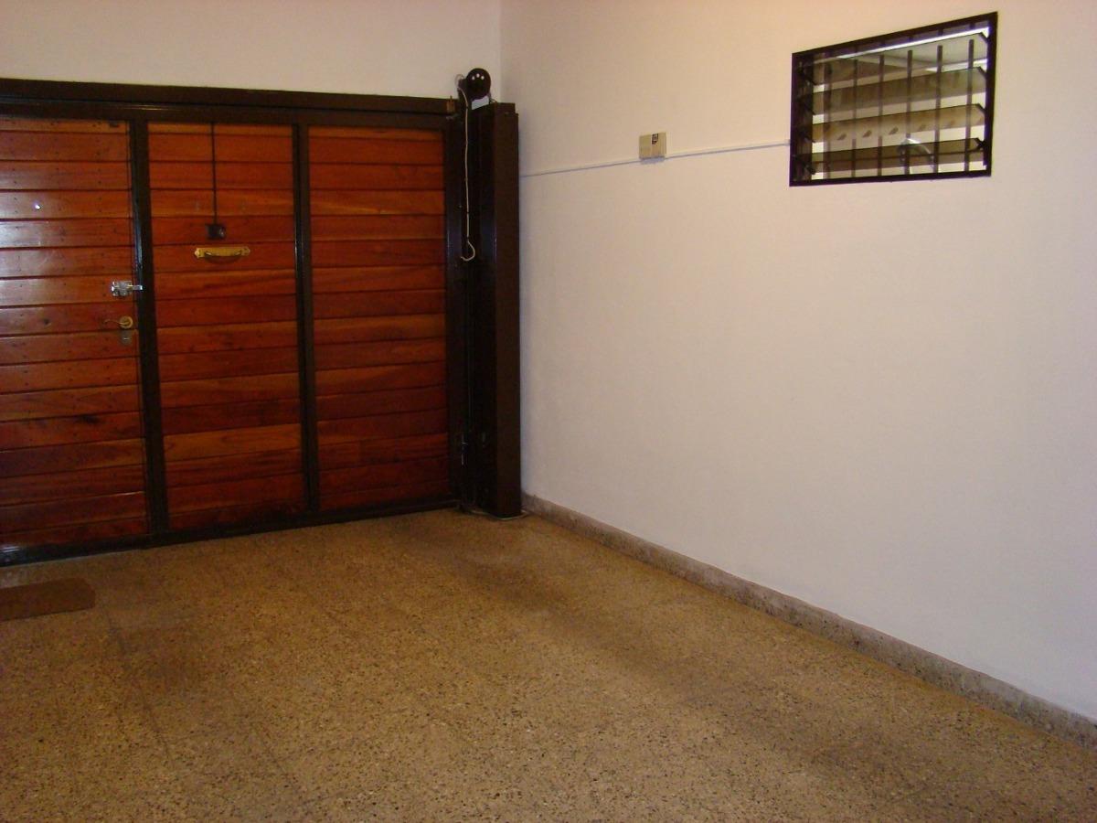 casa 5 amb, 2 baños, parque, pileta climat,cochera.impecable