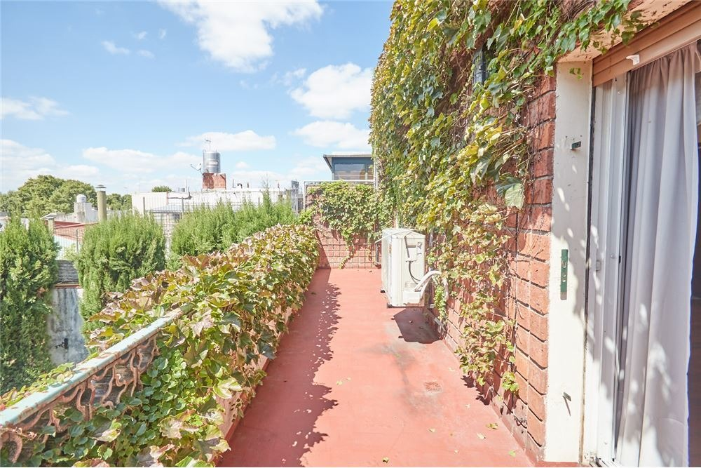 casa 5 amb,  2 coch, quincho, terraza, pileta,