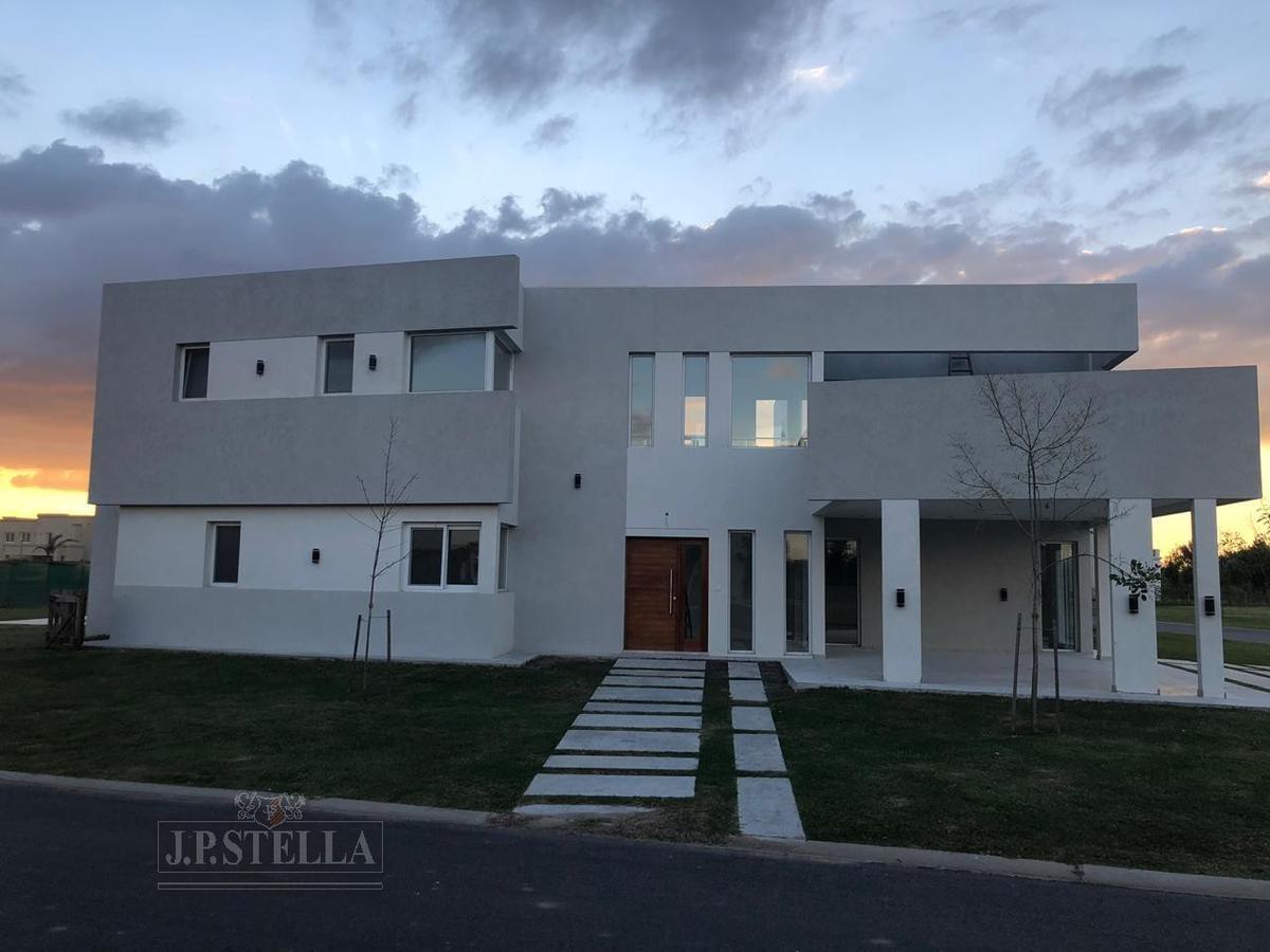 casa 5 amb c/garage y pileta - 294 m² cub. - lote 1020 m² - - terravista