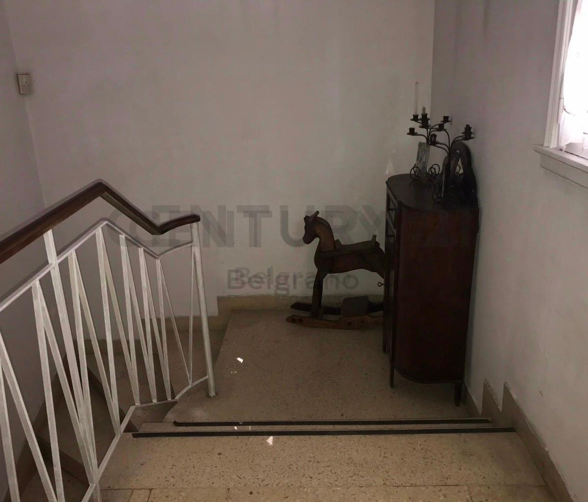 casa 5 amb. con quincho y pileta en  av. alsina 1700, ideal para emrpendimiento
