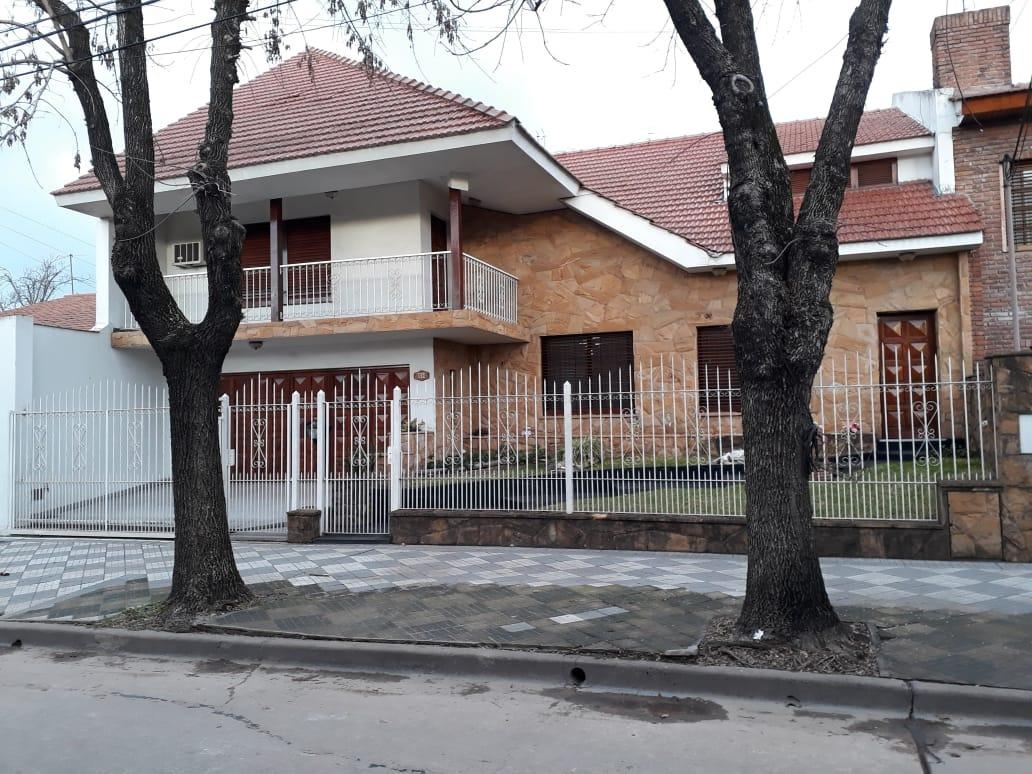 casa 5 amb monte grande ubicación centrica
