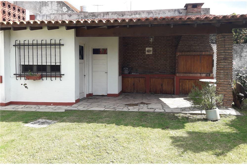 casa 5 amb parque quincho villa adelina