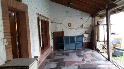 casa 5 amb.cochera, piscina, quincho, parque villa luzuriaga