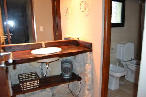casa 5 ambientes 3 baños.