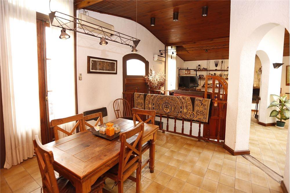 Jacuzzi En Terraza.Casa 5 Ambientes 3 Banos Jacuzzi Terraza Venta U S 369 000 En