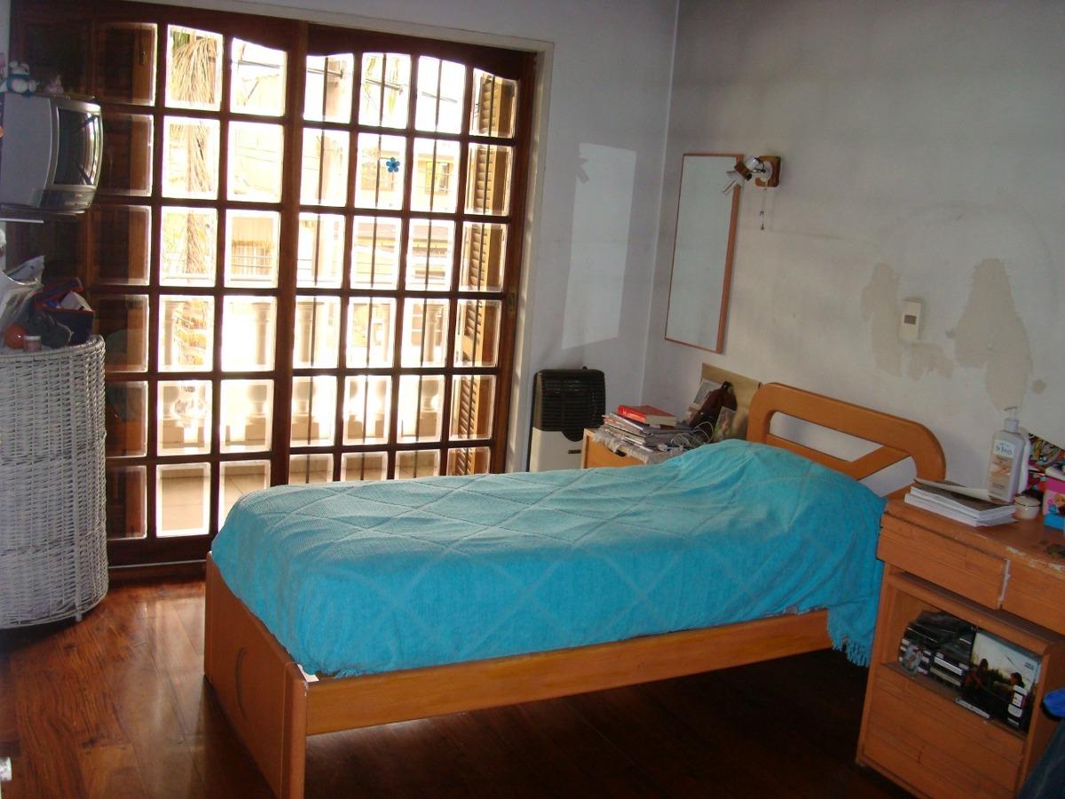 casa 5 ambientes 3 dormit,dos plantas 3 baños  1 toilettes