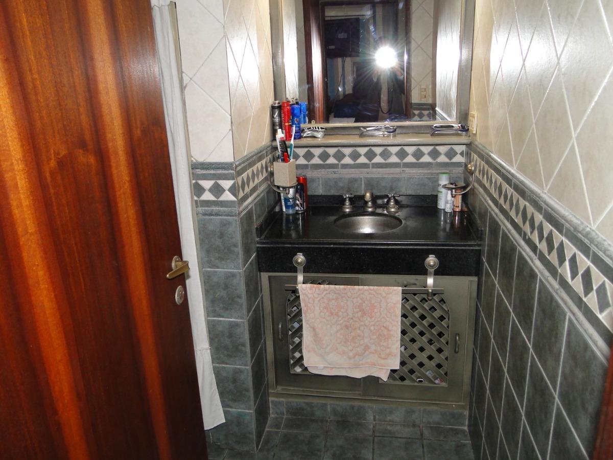 casa 5 ambientes 3 dormitorios,dos plantas 3 baños toilettes