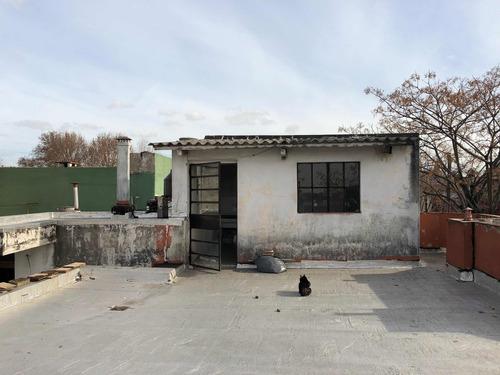 casa 5 ambientes a reciclar en pompeya