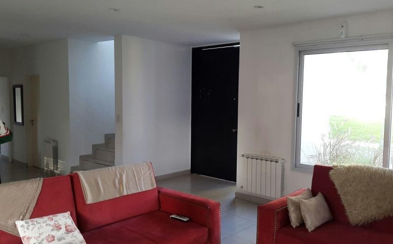 casa 5 ambientes en barrio cerrado altos del sol - ituzaingo