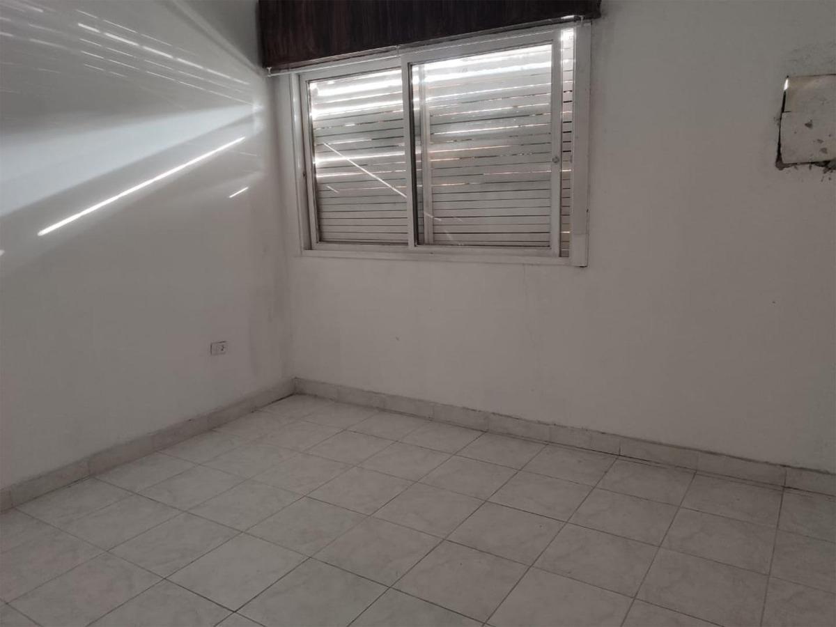 casa 5 ambientes en venta   ituzaingo