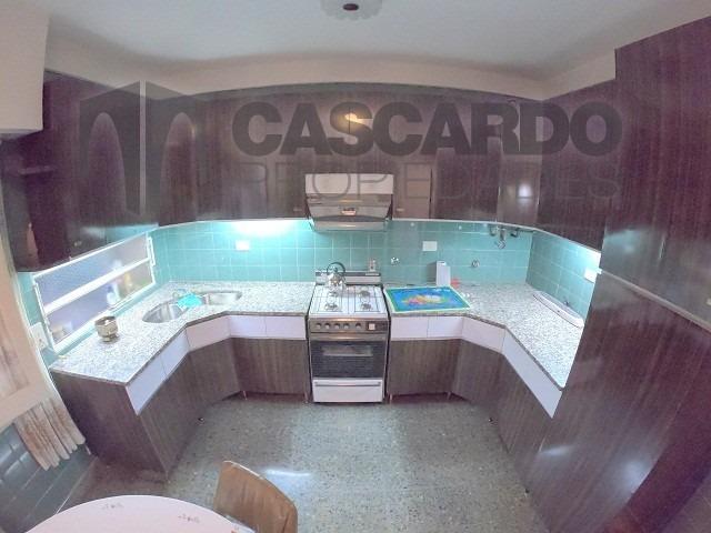 casa 5 ambientes galpón y local ideal 2 familias e inversor