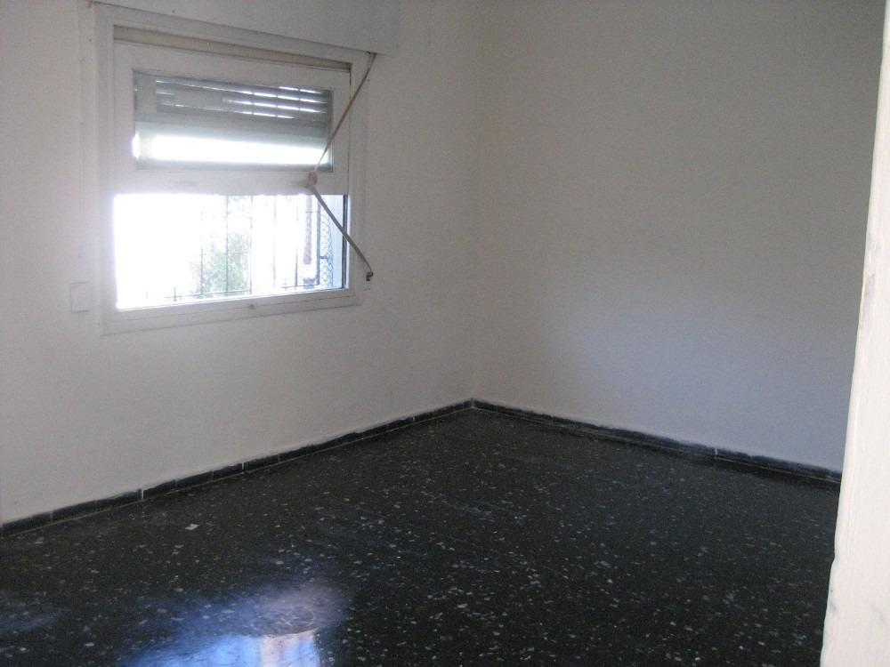 casa 5 ambientes mas apartamento 2 dor. alquilado con desalo