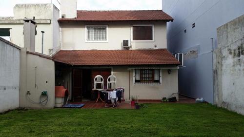 casa 5 ambientes pb y p/alta  garage p/ 2 autos - lomas mira
