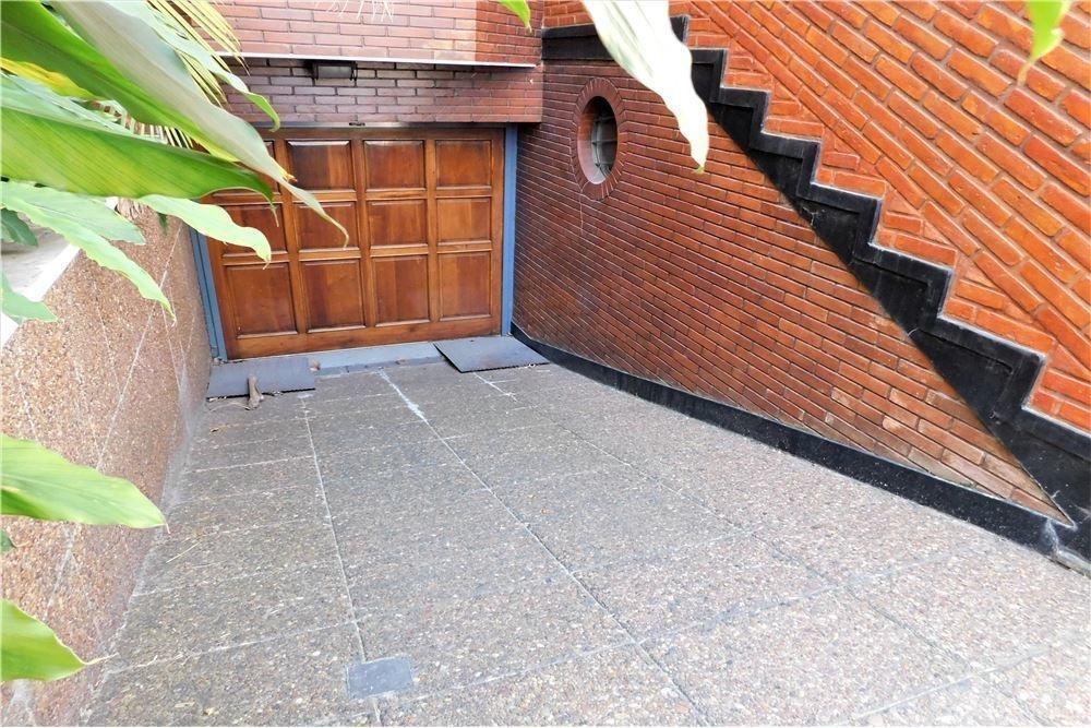 casa 5 ambientes piscina jardin cocheras versalles