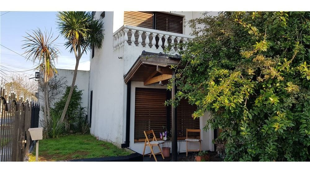 casa 5 ambientes wilde  cochera y  jardín