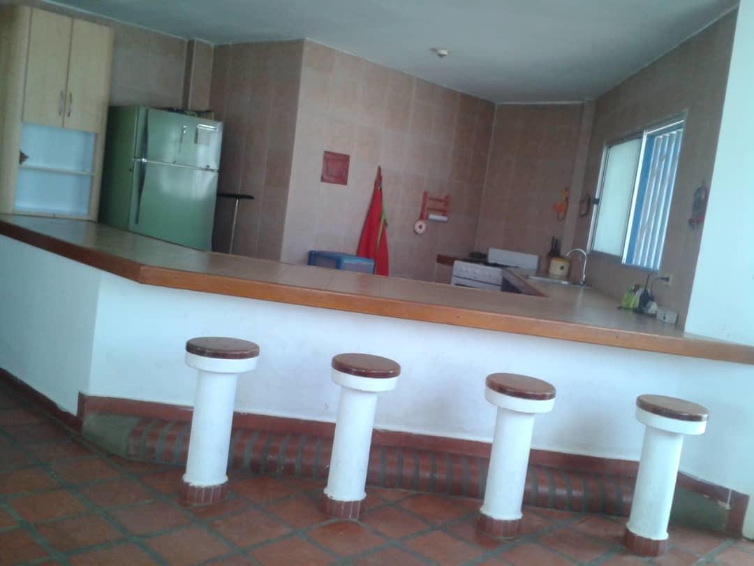 casa 5 ambientes y tres baños