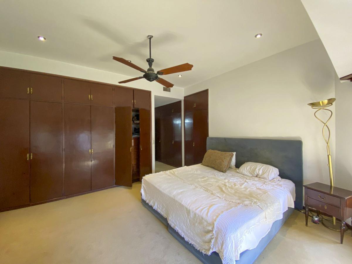 casa 5 dormitorios con cancha de tenis y pileta