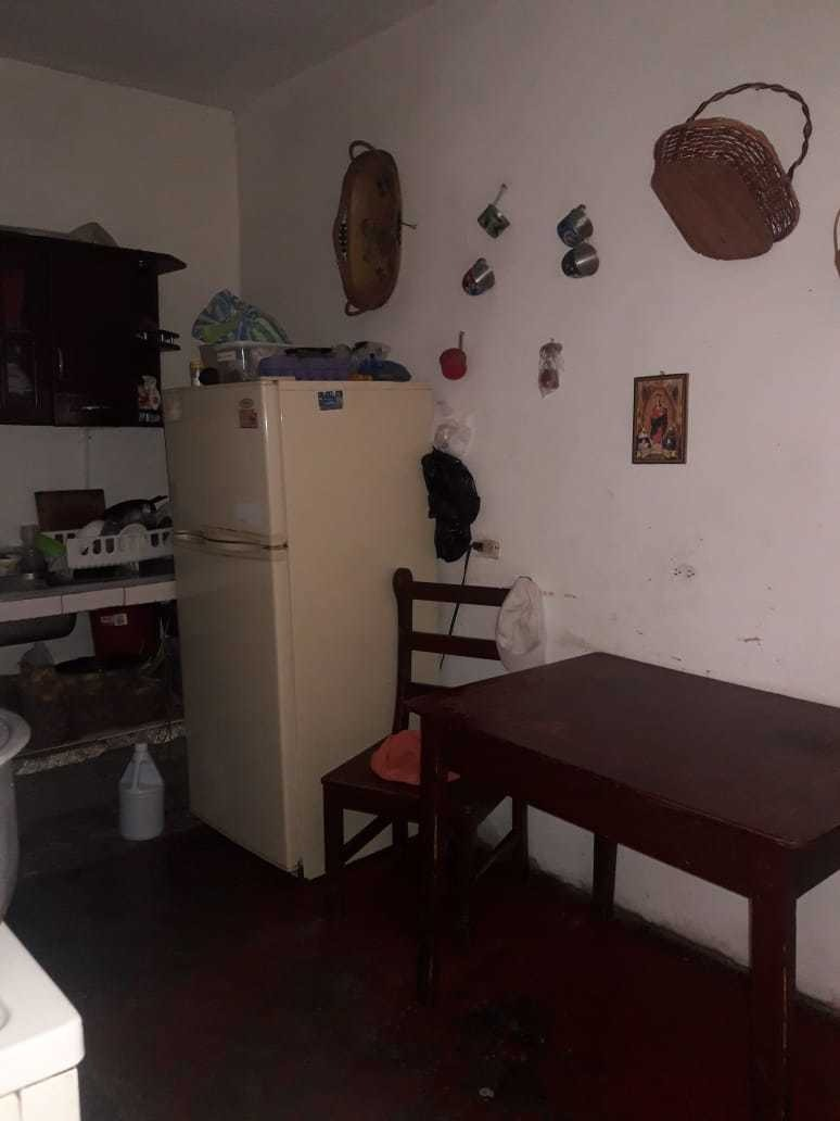 casa 5 habitaciones sala comedor, cocina baño patio