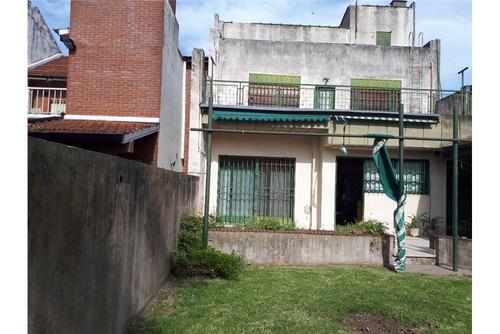 casa 6 amb en caseros con parrilla y jardin