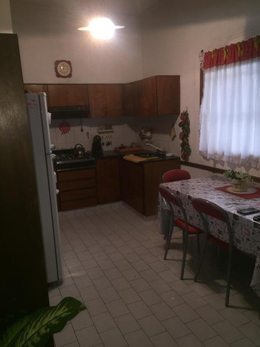 casa 6 amb. ideal 2 familias en liniers