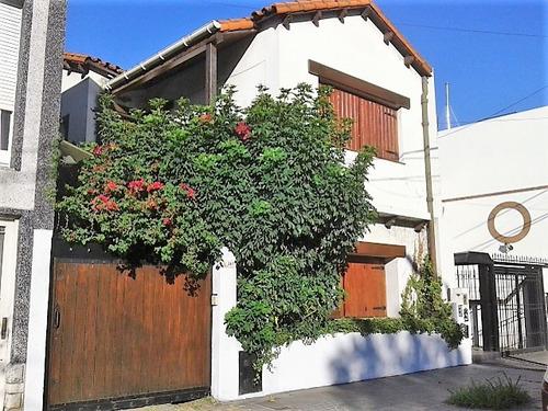 casa 6 ambientes con patio, quincho, parrilla y garage