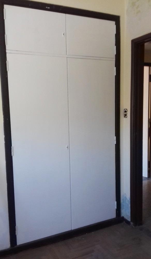 casa 6 ambientes en 2 pl - cerca colegio ward y acceso oeste