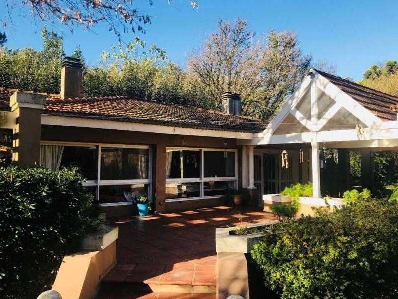 casa 6 ambientes sobre lote 2000 mts en parque leloir