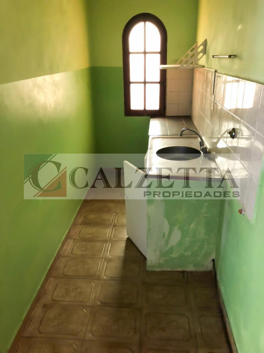 casa 6 ambientes y 2 baños