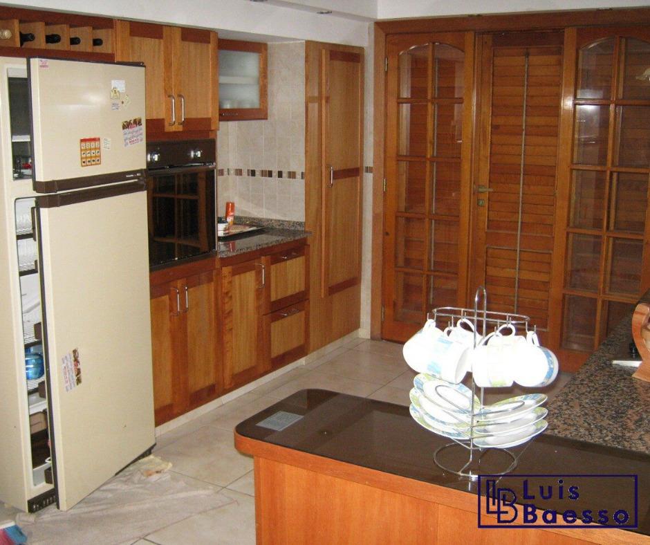 casa 6 ambientes y 4 baños en la costa
