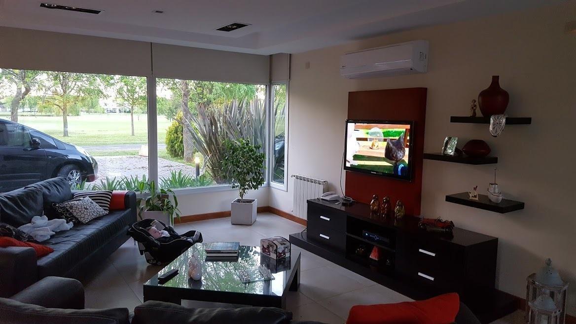 casa 6 dormitorios , 6 baños y piscina-lote 1,500 mts 2 y 465 mts 2 cubiertos - haras del sur