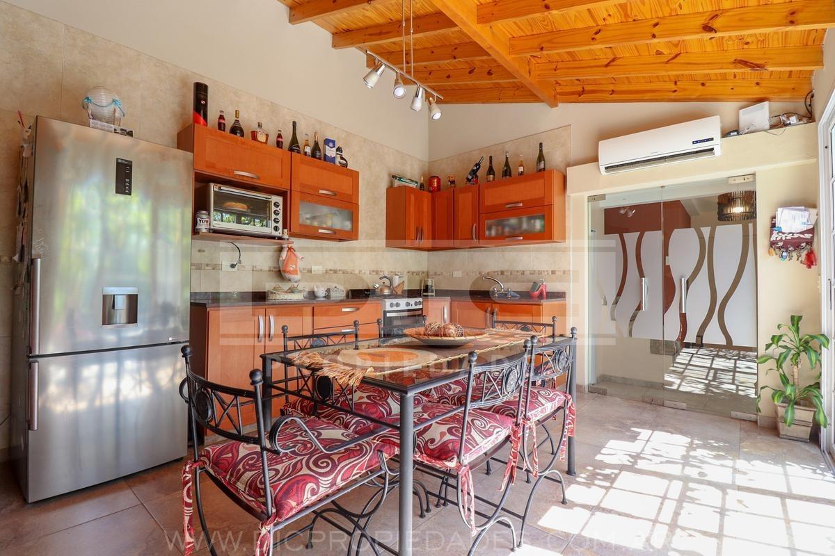 casa 7 ambientes con 2 locales- san andres