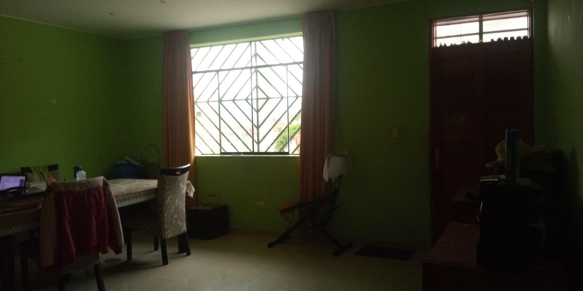 casa: 7 habitaciones y 6 baños