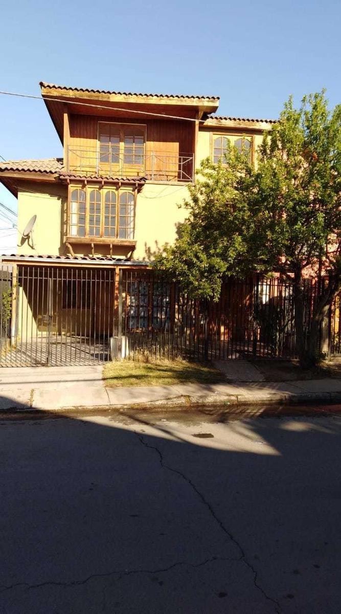 casa 8 dormitorios 4 baños 2 estacionamientos seguridad