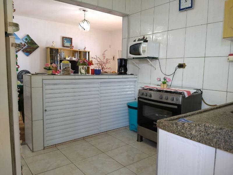casa a 150 metros do mar com 3 quartos e lina área gourmet!