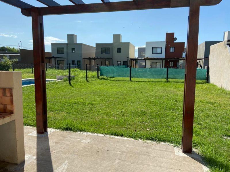 casa a estrenar 4 amb. en villa udaondo - barrio cerrado