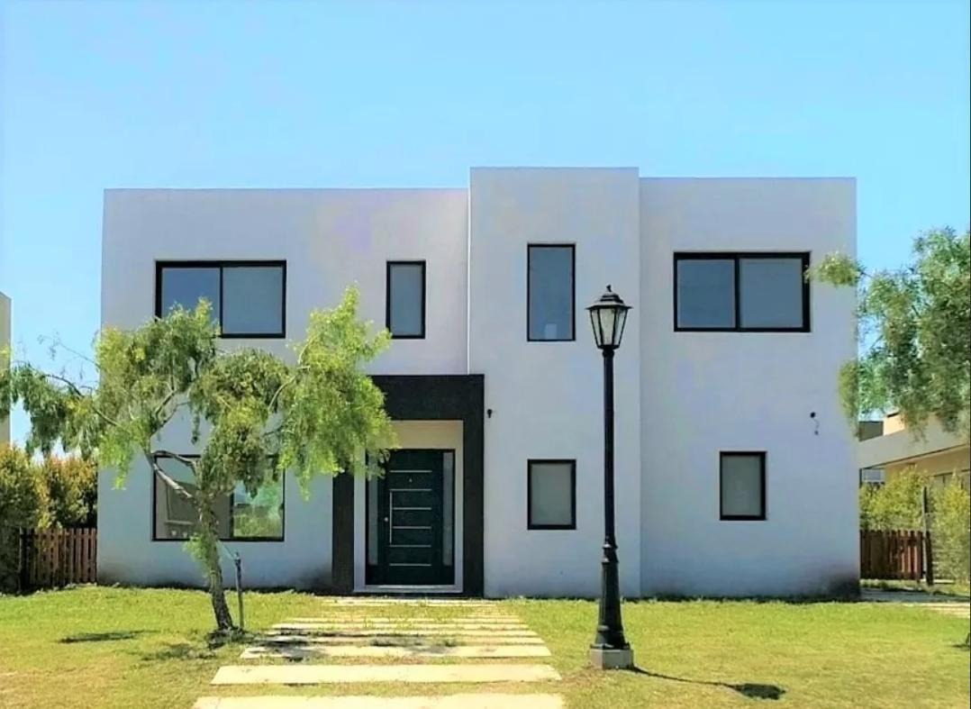 casa a estrenar - barrio san alfonso, pilar del este