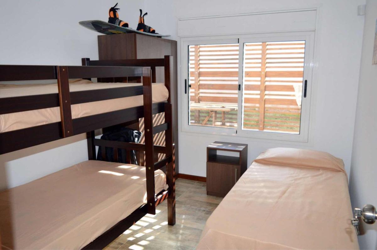 casa a estrenar de 3 dorm y 2 baños a 250mts de la playa