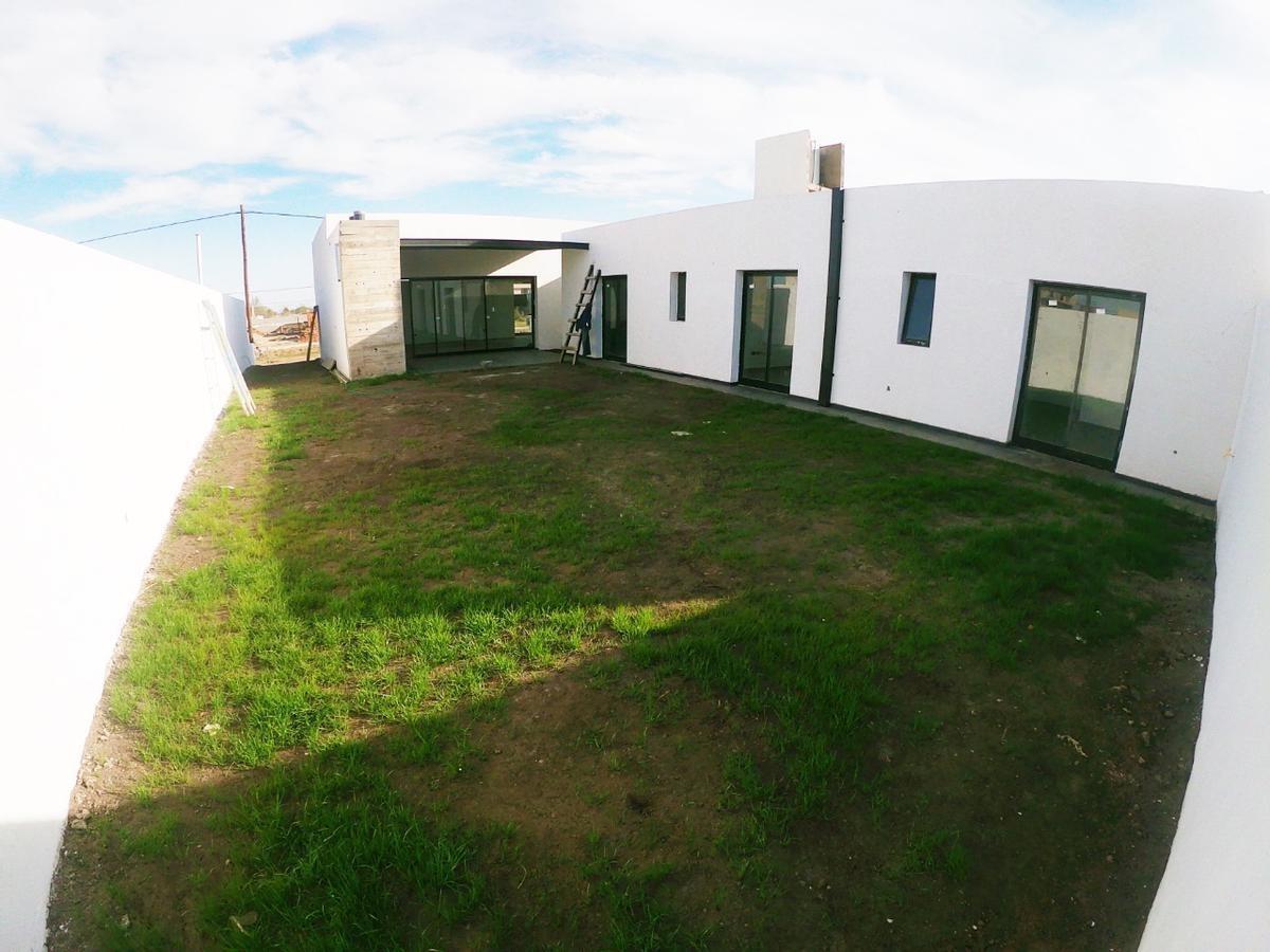 casa a estrenar de 3 dormitorios - 3 baños - comarca de  allende