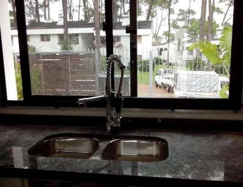 casa a estrenar la venta en cantegril-ref:2583