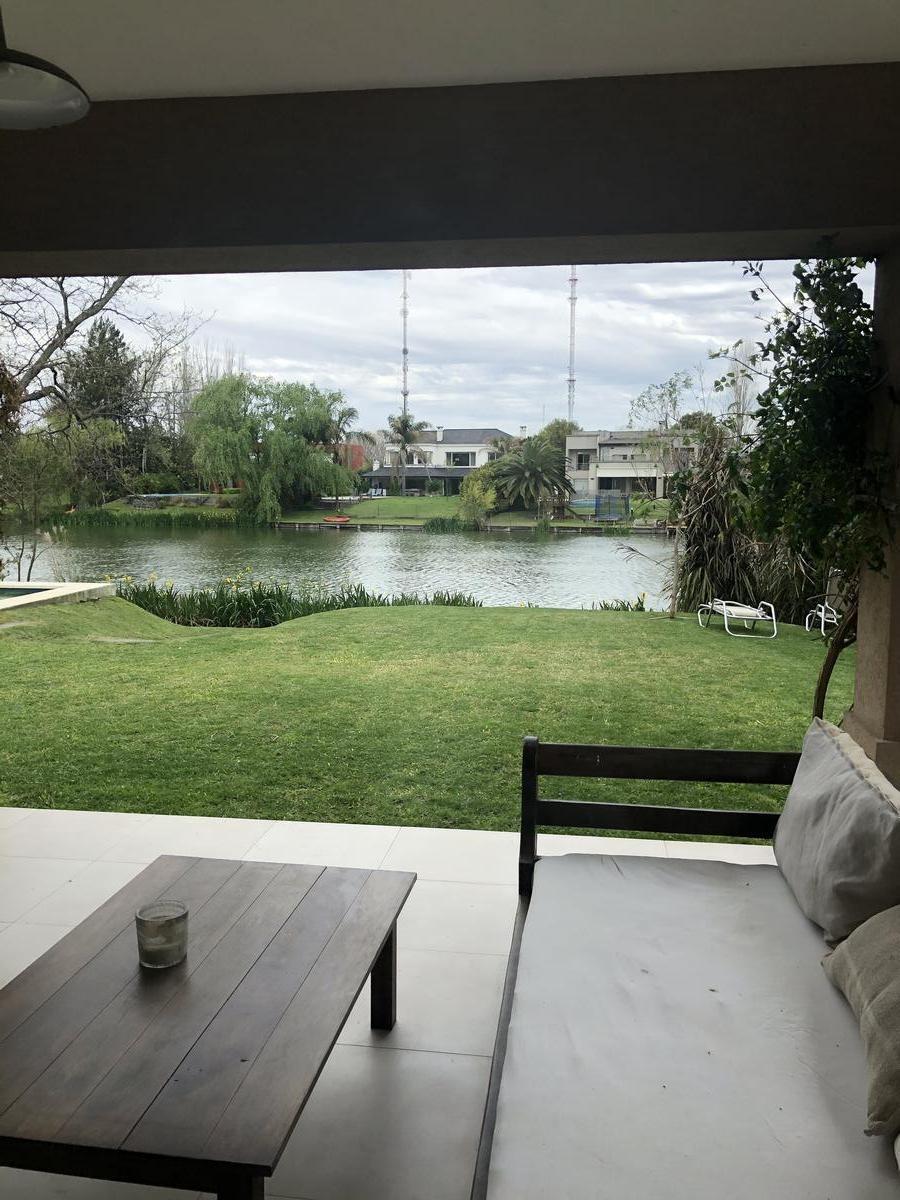 casa a la laguna en santa barbara 5 habitaciones