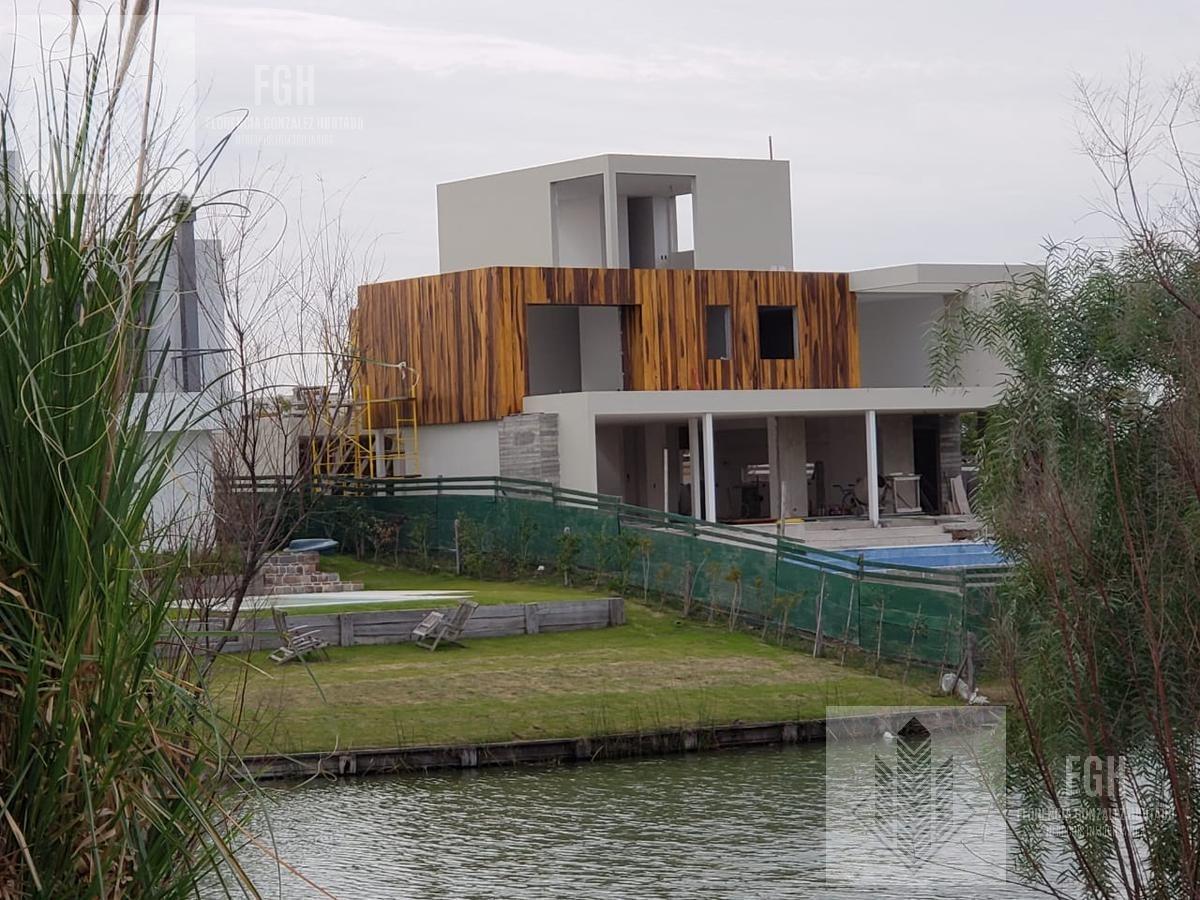 casa a la laguna en venta en lagos del golf nordelta