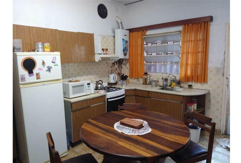 casa a la  venta en  alberdi de 3 dormitorios