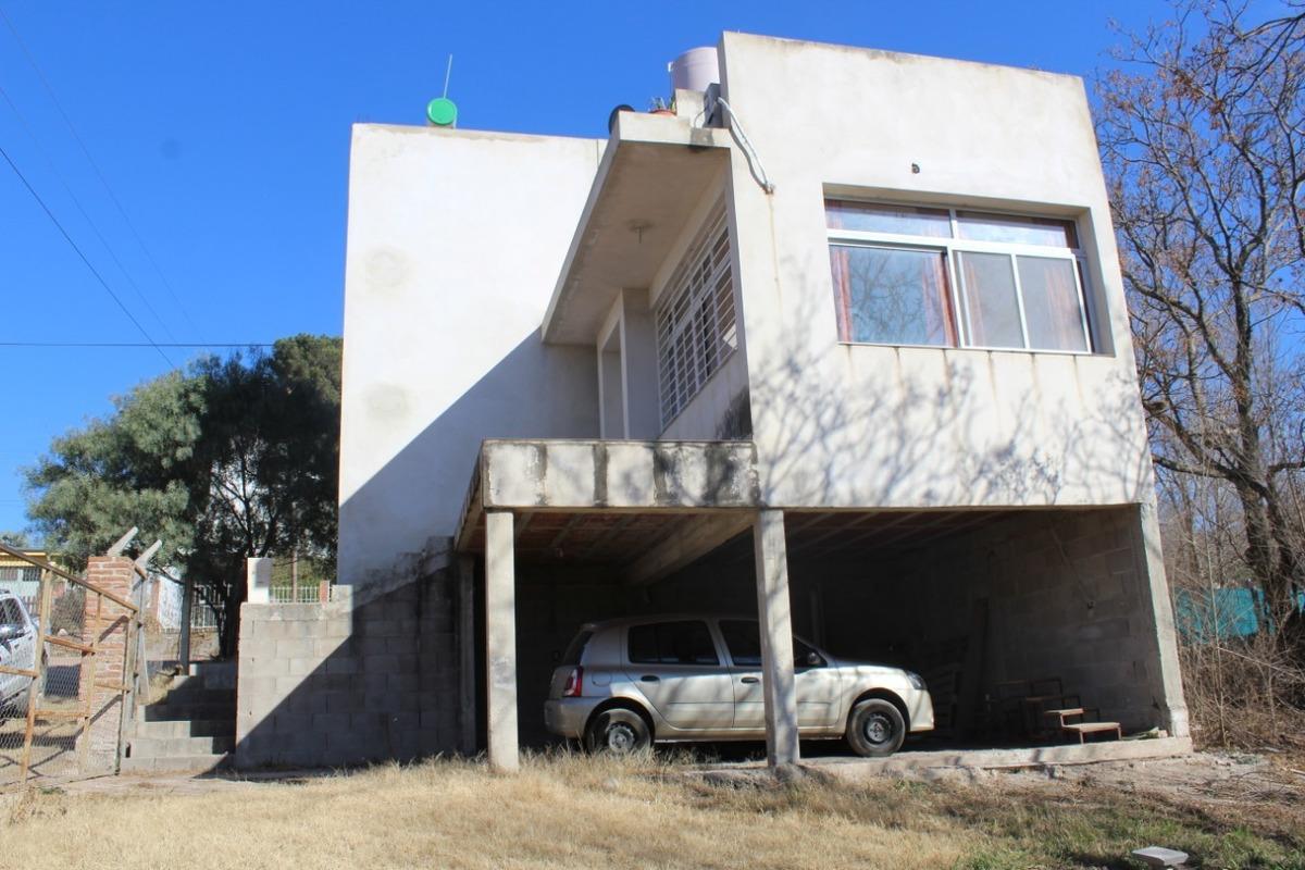 casa a la venta en bialet masse 2 plantas a una cuadra de la ruta 38 (c15)