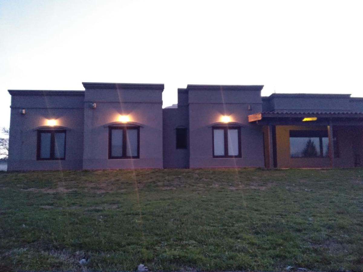 casa a la venta en estancia las lilas club de chacras campo