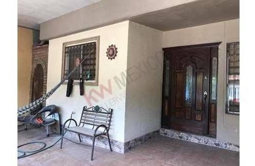 casa a la venta en fraccionamiento oasis de revolucion zona blvd. zaragoza