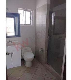 casa a la venta en fraccionamiento privada isla del encanto zona calzada del rio